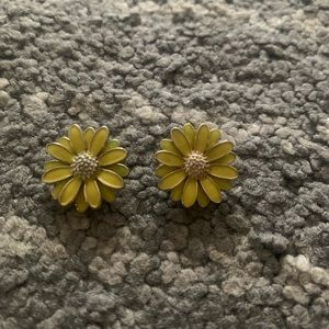 Jcrew Floral Flower Yellow Daisy Stud Earrings